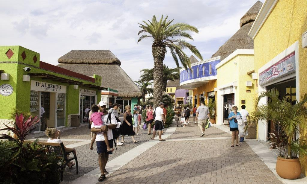 Cozumel Shopping on 30th Avenue starting from the airport ...
