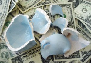 cracked-piggy-bank
