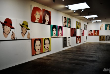 Pittsburgh offers warhol museum