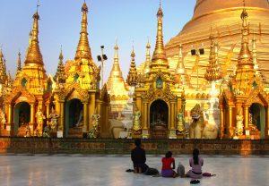 A People praying at pagoda